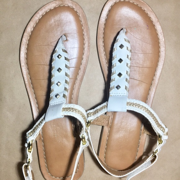 924f8305f1f8 Naturalizer Thong Sandal White Gold Braided 8M